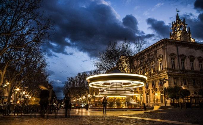 Площадь Часов (Place de l'Horloge)