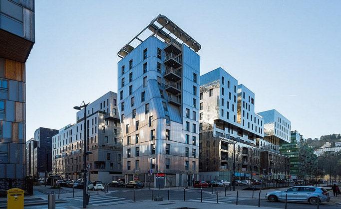 Современные строения Лиона